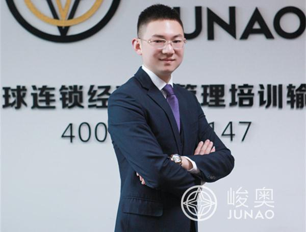 王磊-赛事部兼资讯部总监